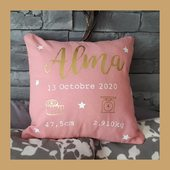 Un joli coussin personnalisé pour Baby Alma 💓 #coussinpersonnalisé #coussindenaissance